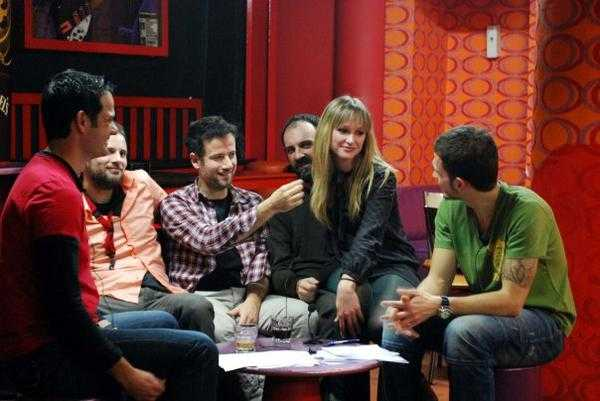 Maraveyas Ilegal Pop Up Show 2010