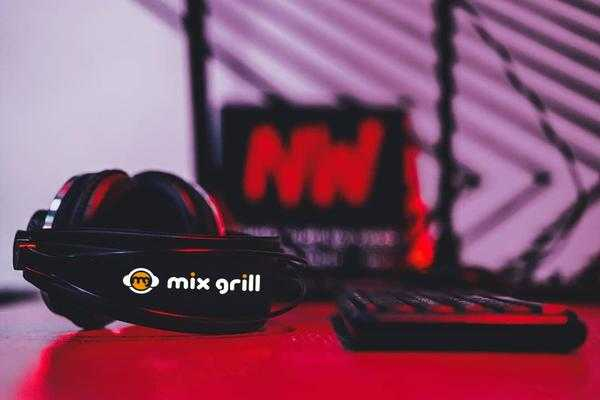 Radio Nowhere Mix Grill